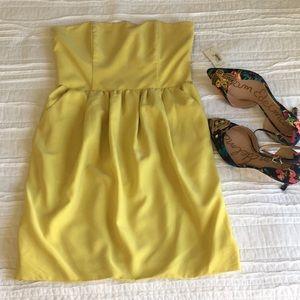 Rachael Roy Strapless Cut out Back Dress pockets